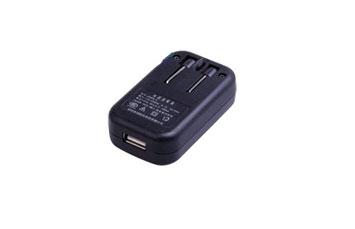 CARGADOR USB NEXXT DE PARED P/CELULARES, MP3, CAMARA Y CUALQUIER DISPOSITIVO QUE USE VOLTAJE DE 5V 300MA